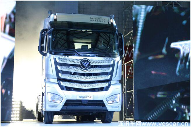 奔驰重卡八夺国际年度卡车 欧曼est首摘中国年度卡车图片