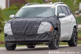 或推出Trackhawk车型 新款自由光谍照