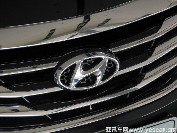 北京现代 索纳塔八 2014款 2.4L 自动顶级版 国IV
