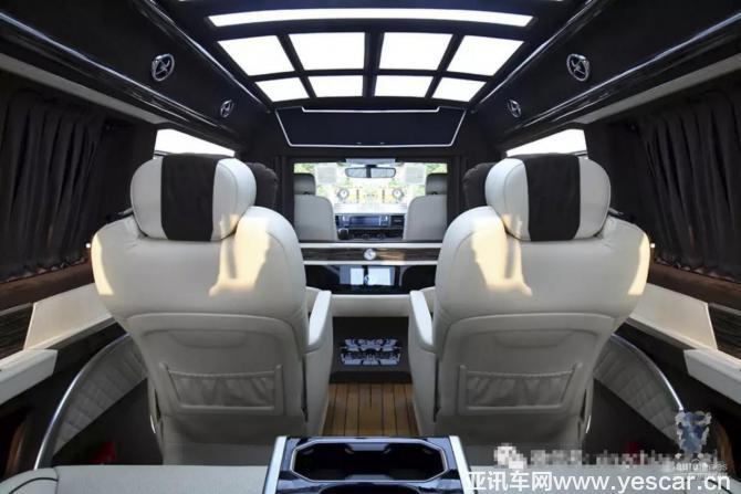 北京国际车展,庆红汽车新款定制房车亮相