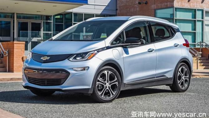 雪佛兰bolt是通用汽车在2016年推出的一款两厢纯电动小型车,该车的