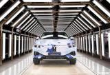 采用增程式动力 岚图首款SUV预生产下线