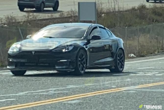 新款Model S谍照曝光 造型更具进攻性