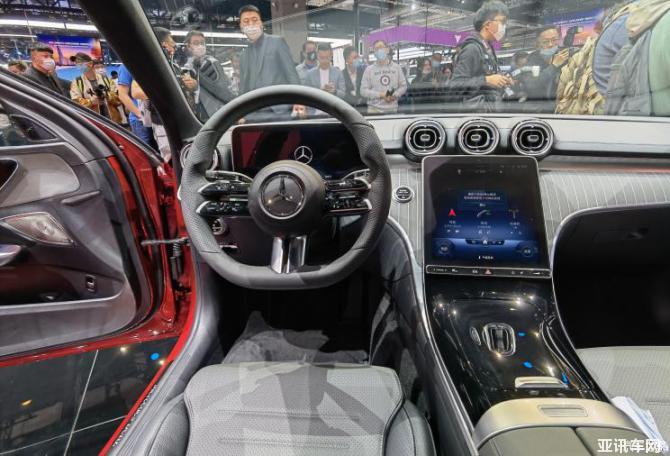 2021上海车展:全新国产奔驰C级长轴首发